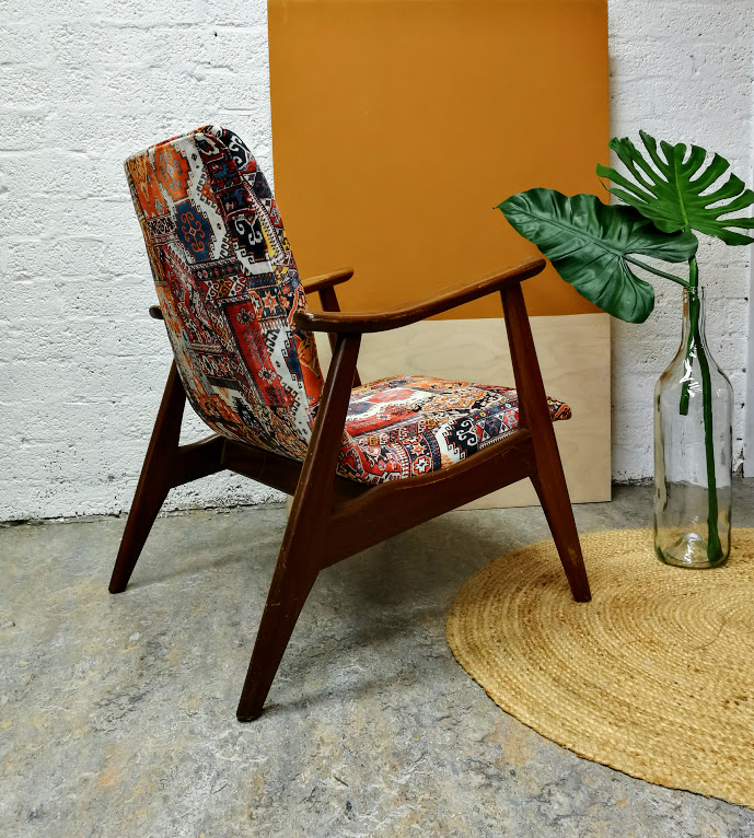 Verkocht fauteuil deens design stoffeershop for Mooie design fauteuils