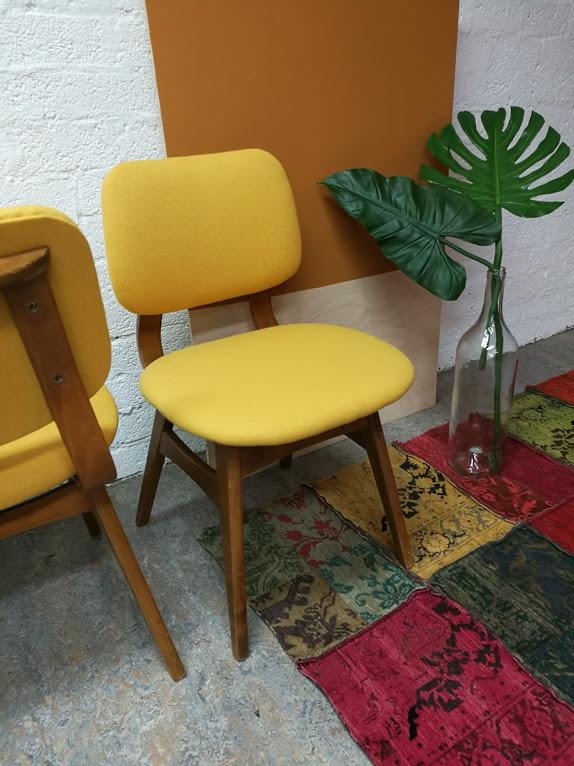 Verkocht eetkamerstoelen retro stoffeershop for Eetkamerstoelen deens design